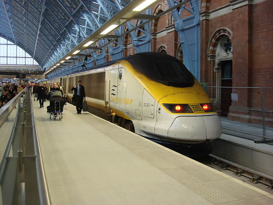 the channel tunnel train link between great britain and france. Black Bedroom Furniture Sets. Home Design Ideas